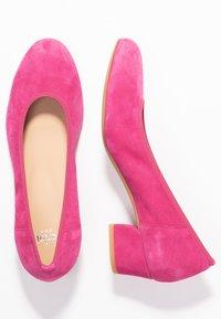 PERLATO - Classic heels - fuxia - 3
