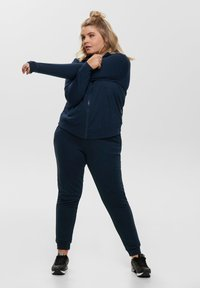 ONLY Play - ONPELINA HIGH NECK CURVY  - Zip-up hoodie - navy blazer - 1