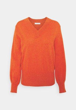 V NECK BALLOON SLEEVE - Strikkegenser - fall orange