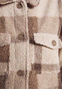 Cotton On - COSY CABIN SHACKET - Krátky kabát - natural - 5