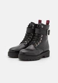 Claudie Pierlot - ANNABELLE - Platform ankle boots - noir - 2