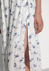 Abercrombie & Fitch - SMOCKED BODICE MIDI DRESS - Vestito estivo - white floral - 4