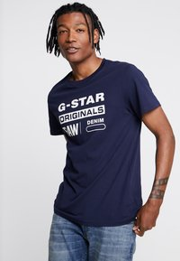 G-Star - GRAPHIC LOGO 8 T-SHIRT - T-shirt print - sartho blue - 0