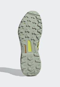 adidas Performance - TERREX SKYCHASER 2 - Hikingsko - wild moss/acid yellow/acid mint - 3