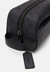 Coach - TRAVEL KIT IN SIGNATURE UNISEX - Wash bag - charcoal - 3