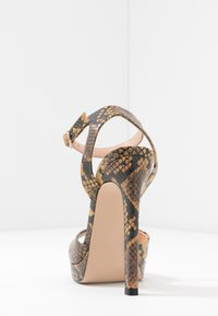 Steve Madden - LUV - High heeled sandals - yellow - 5
