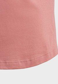 adidas Performance - TROPICAL SPORTS GRAPHIC T-SHIRT - Camiseta estampada - pink - 4