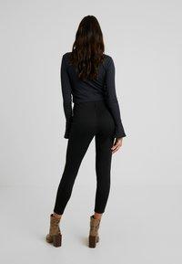 Vero Moda - VMCISSE PANT - Legíny - black - 2