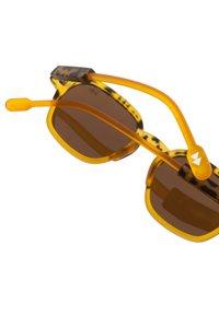 Sunheroes - GLENN - Solglasögon - matt yellow - 2