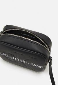 Calvin Klein Jeans - CAMERA BAG - Bandolera - black - 2