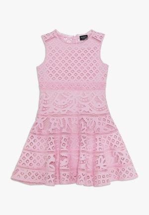 ELISE DRESS - Vestido informal - parfait pink