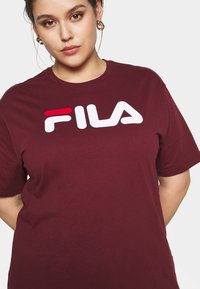 Fila Plus - PURE SHORT SLEEVE - Printtipaita - tawny port - 3