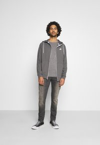 Jack & Jones - JJEMARK CREW NECK - Maglione - grey melange - 1