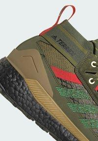 adidas Performance - FREE HIKER BOOST PRIMEKNIT HIKING SHOES - Hikingskor - green - 6
