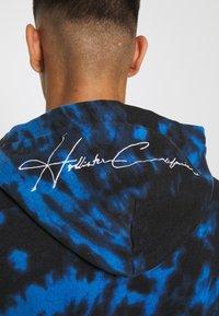 Hollister Co. - WEBEX TONAL BOX - Luvtröja - black/blue cobalt - 3