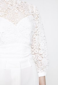 Forever New - BLOUSE - Blouse - white - 7