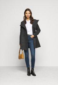 Vero Moda Petite - VMSOPHIA SKINNY JEANS PETI - Jeans Skinny Fit - medium blue denim - 1