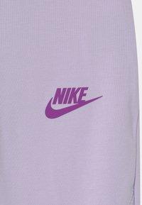 Nike Sportswear - FAVORITES - Legíny - purple chalk - 2
