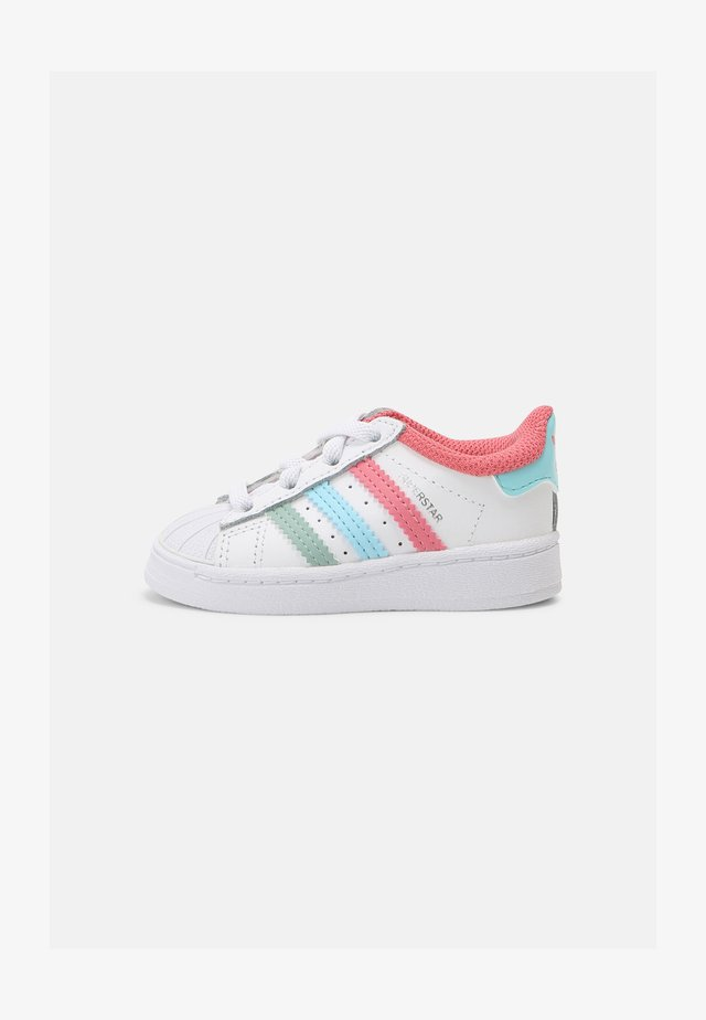 SUPERSTAR UNISEX - Trainers - white/hazy rose/hazy sky