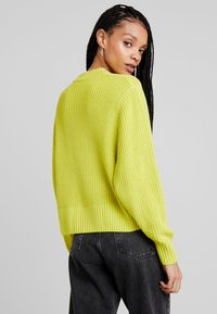 Monki - AGATA BASIC - Jumper - lime - 2