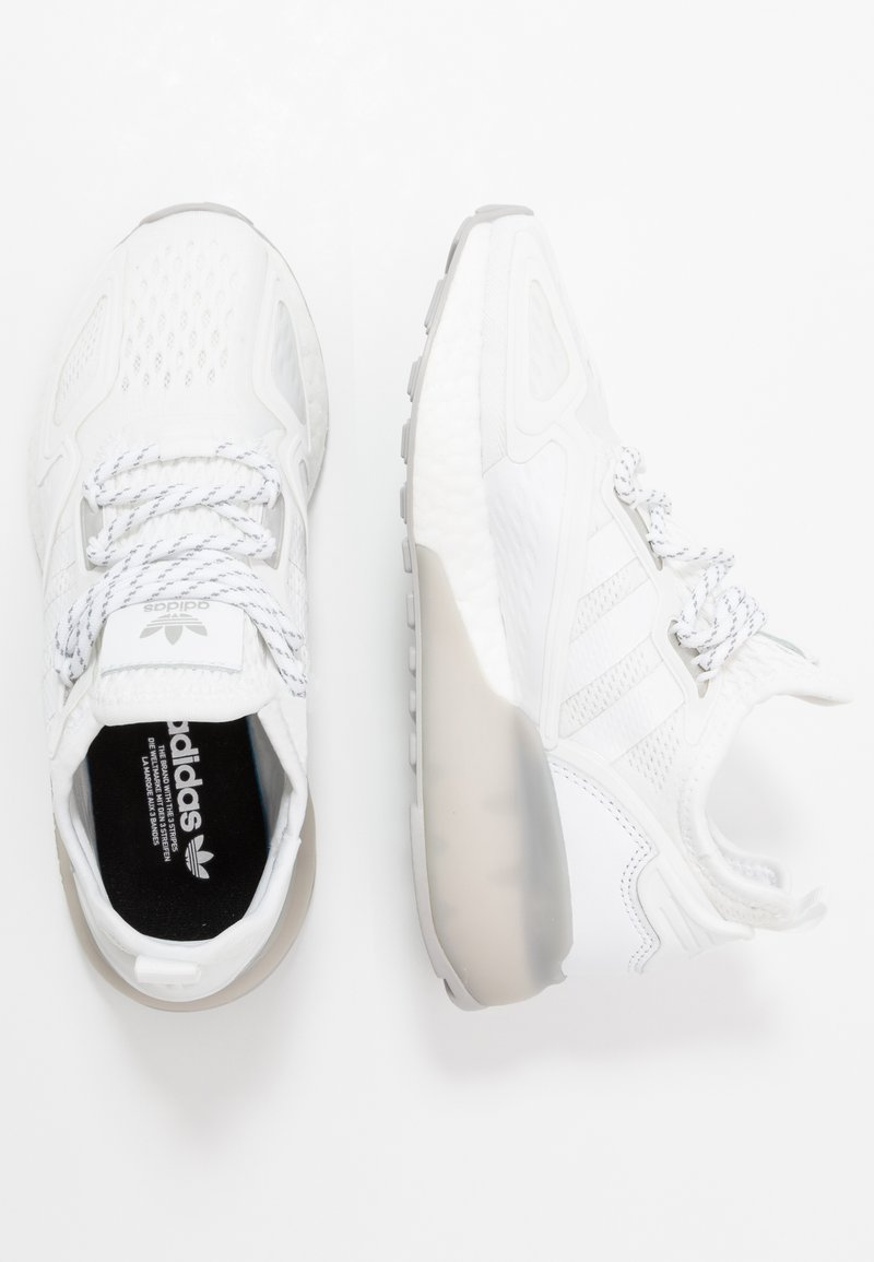 adidas Originals - ZX 2K BOOST - Trainers - footwear white/grey two