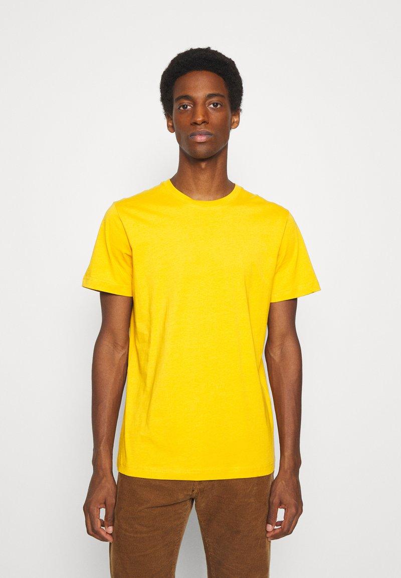 Selected Homme - SLHNORMAN O NECK TEE  - T-shirt basic - mango mojito
