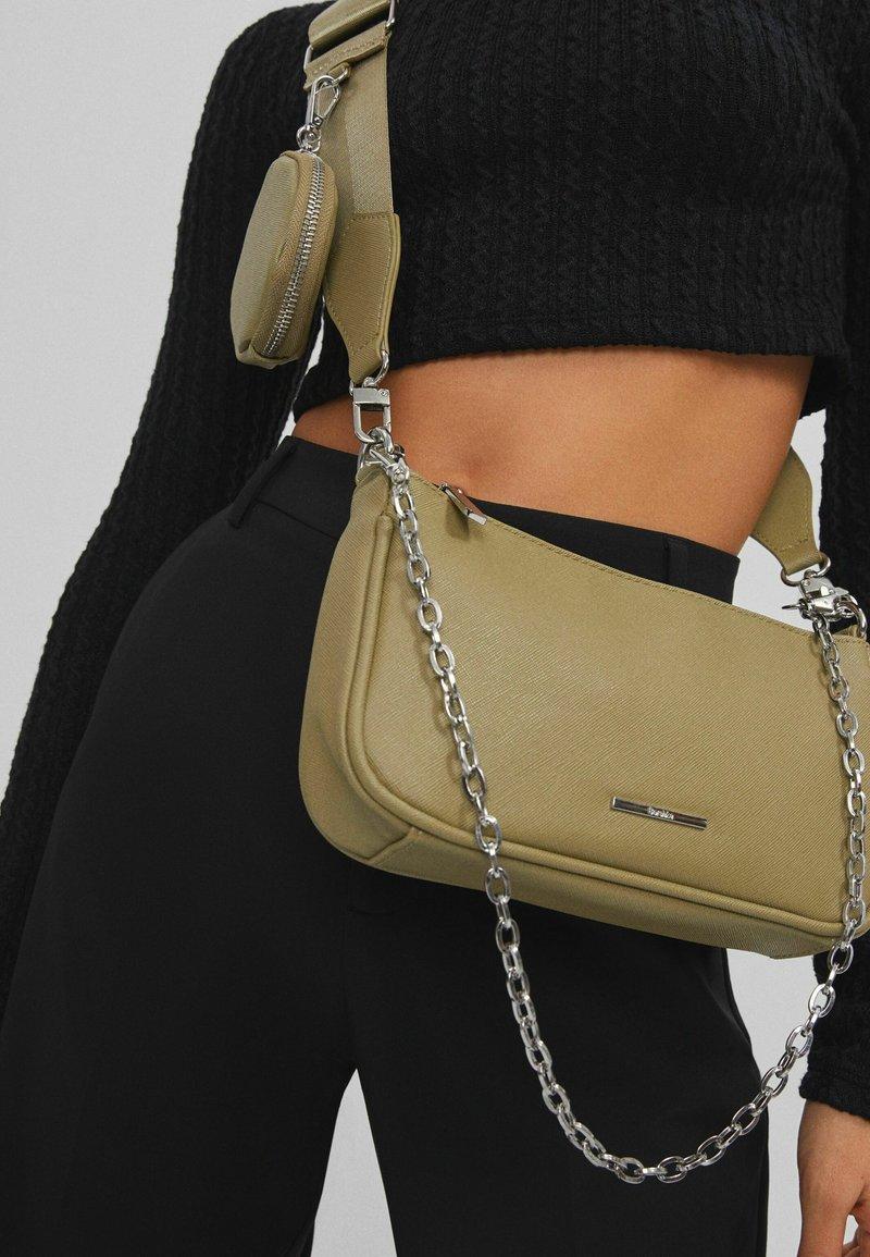Bershka - Across body bag - khaki