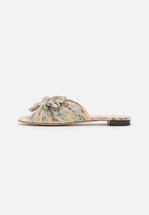 DAPHNE - Pantofle - tan