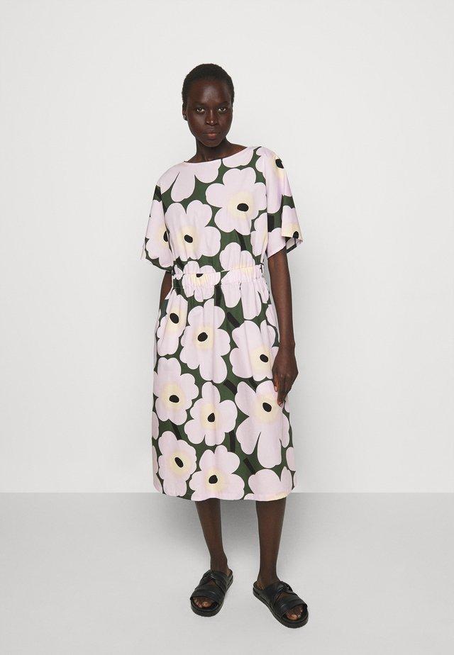 SILOINEN  - Korte jurk - dark green/lavender