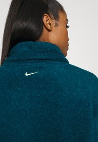 Nike Performance - COZY COWL - Fleece jumper - valerian blue heather/metallic silver - 6