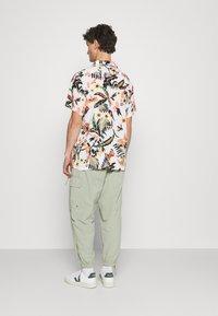 Levi's® - CUBANO - Shirt - neutrals - 2