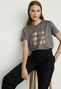 Massimo Dutti - T-shirt imprimé - grey - 2