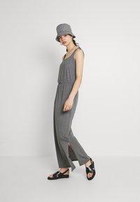 Vero Moda - VMADAREBECCA ANKLE DRESS - Maxi dress - medium grey melange - 1