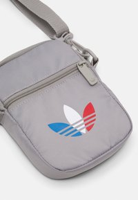 adidas Originals - TRICOL FEST BAG UNSISEX - Across body bag - solid grey - 4