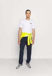 adidas Performance - ESSENTIALS - T-shirts basic - white/black - 1