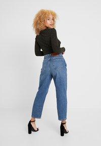 Noisy May Petite - NMMIA HEAT - Jeans Straight Leg - medium blue denim - 2