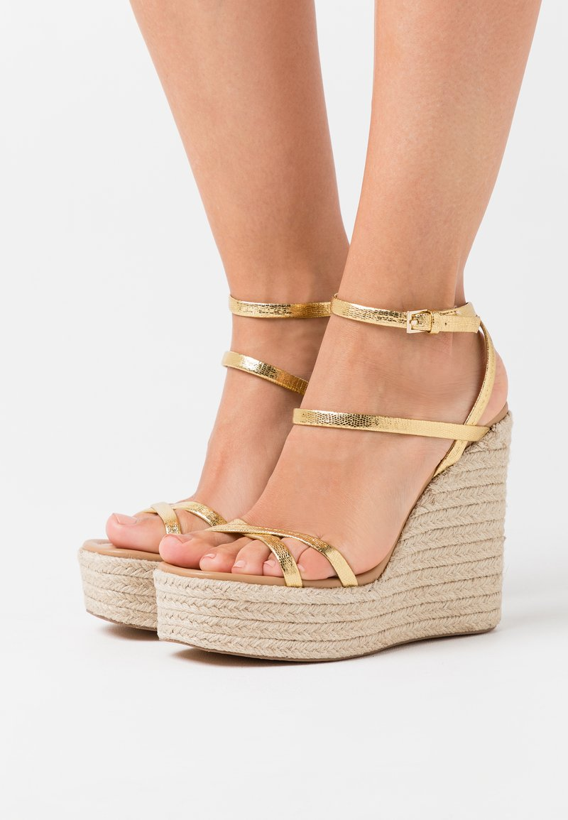 Topshop - WILLA WEDGE - Sandales à talons hauts - gold