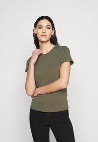 ONLY Tall - ONLPURE LIFE O NECK 2 PACK - Basic T-shirt - grape leaf/apple butter - 1