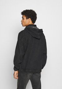 Karl Kani - RETRO WASHED  - Windbreaker - black - 2