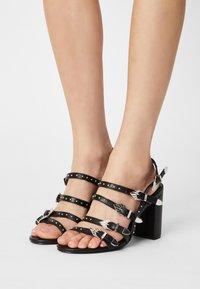 Buffalo - VEGAN REIGN - Sandals - black - 0