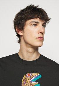 PS Paul Smith - MENS REGULAR FIT DINO - Print T-shirt - black - 3