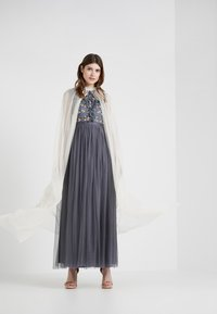 Needle & Thread - EMBELLISHED BOW MAXI CAPE - Poncho - champagne - 1