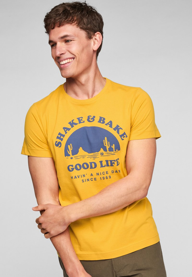 s.Oliver - MIT SCHRIFTPRINT - Print T-shirt - yellow good life print