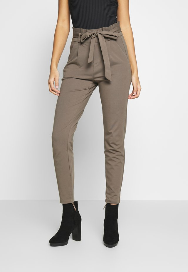 VMEVA LOOSE PAPERBAG PANT - Trousers - bungee cord