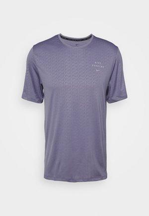 Nike Run Division - Print T-shirt - world indigo