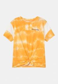Abercrombie & Fitch - SPORTY TIE FRONT - Triko spotiskem - yellow - 0