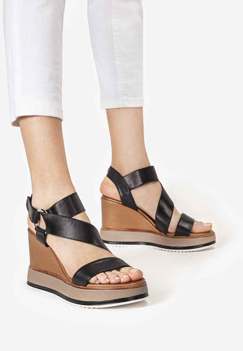 Inuovo - High heeled sandals - black