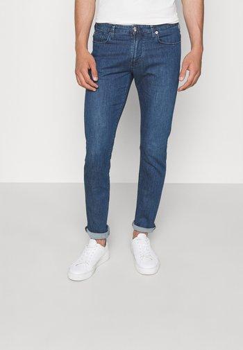 POCKETS PANT - Slim fit jeans - blu navy chiaro