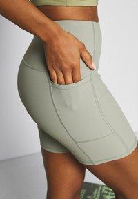 Cotton On Body - POCKET BIKE SHORT - Collant - green haze - 4