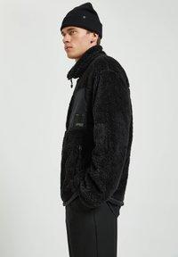 PULL&BEAR - Fleece jacket - mottled black - 3